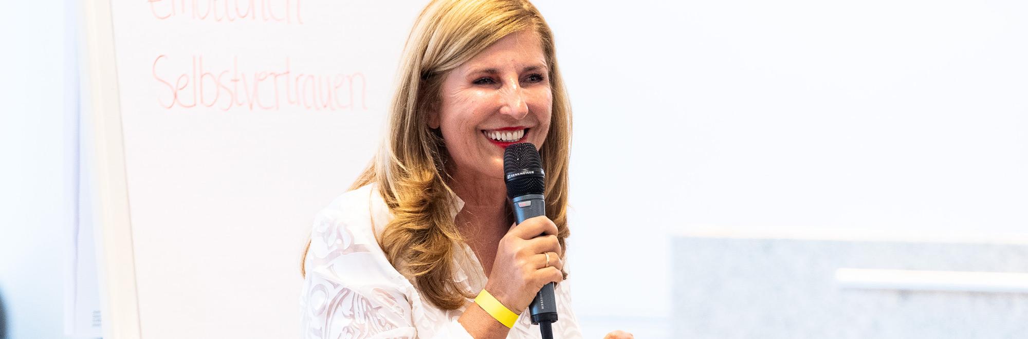 Speakerin Nelly Kostadinova