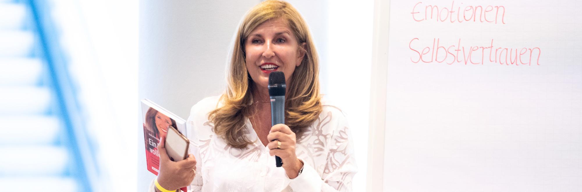 Nelly Kostadinova