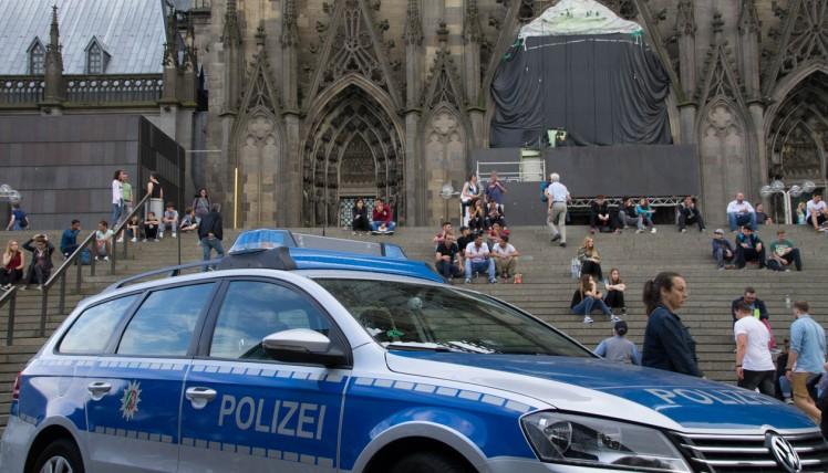 Polizeifahrzeug in Köln