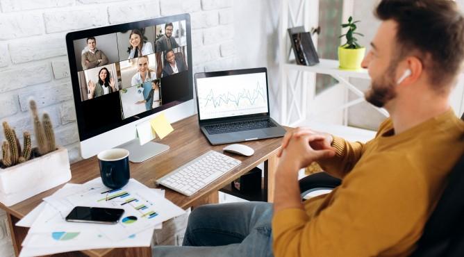 Titelbild zu »Meine 52 besten Tipps für dein starkes Unternehmen 2021 – Tipp 6: Wie verkaufst du dich? Dein erfolgreicher Elevator Pitch für Krisenzeiten«