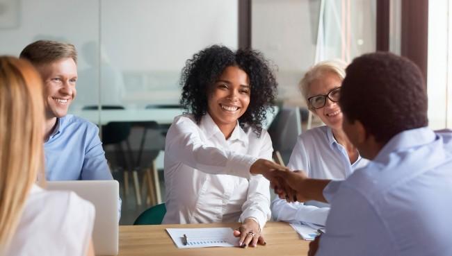 Tipps zu Verkaufsgespräch führen und richtige Abschlussfrage stellen von Business Coach Nelly Kostadinova